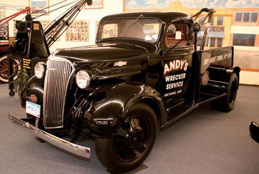 Camiones de primeros auxilios en los a os 20 y 30 cami n for Motores y vehiculos phoenix