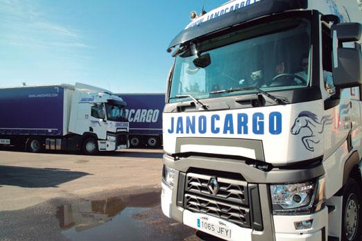 Transportes janocargo tes n camionero cami n actualidad for Empresas de transporte en tenerife