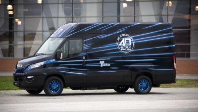 Iveco subasta una Daily Hi-Matic Natural Power por una buena causa
